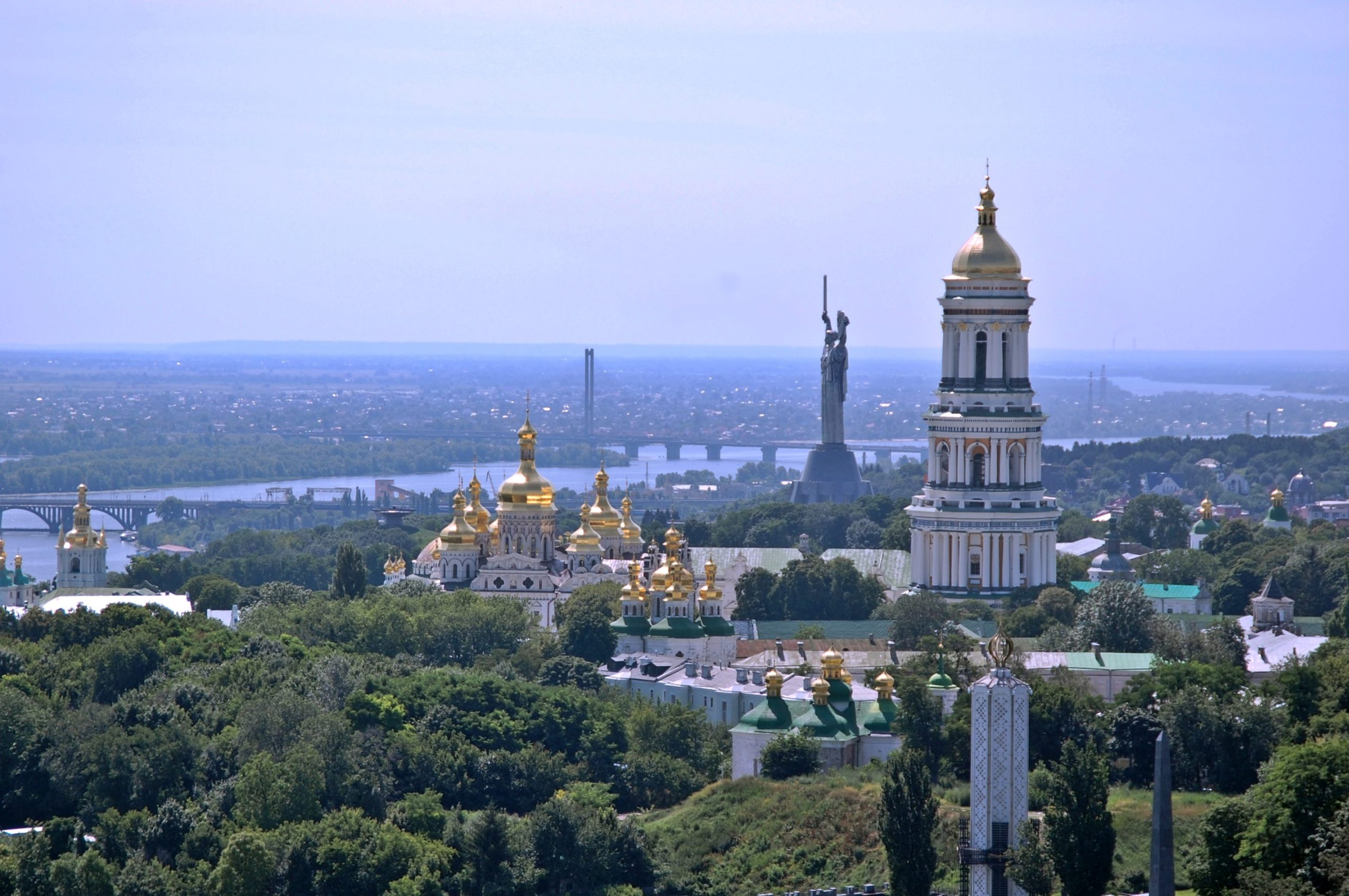 5 Tips to Cut Your Travel Costs When Traveling to Ukraine